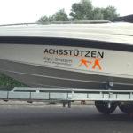 Achsstützen Kipp-System mit einem Tandem Bootsanhänger
